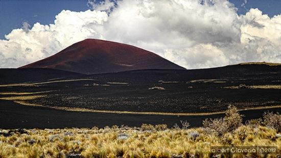 Volcán Morado desde Pampas Negras