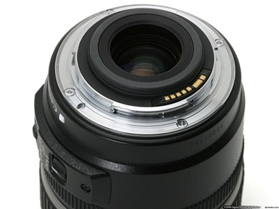 Canon_EF-S_lens_mount