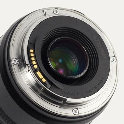 Canon_EF_lens_mount